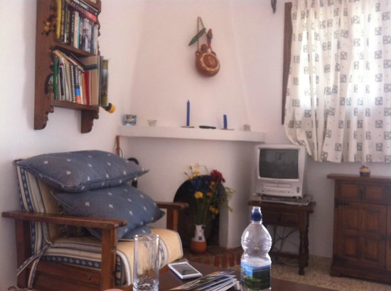 El Capistrano Villages: living room area of the room