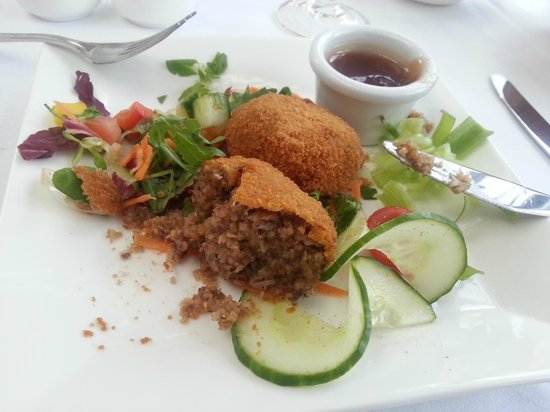 Best Western Plus Inverness Lochardil House Hotel: One of the delightful starters - mini-haggis for us Sassenachs