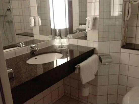 Radisson Blu Hotel Nydalen, Oslo: il bagno