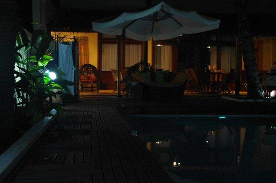Chambre style Afrique - Picture of Hotel Coco Lodge, Mahajanga ...
