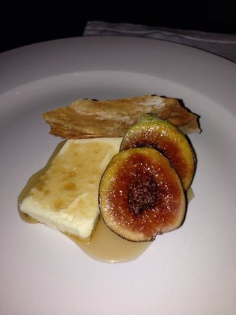 Little Truffle Dining Room & Bar: Figs, goat cheese and a sherry syrup