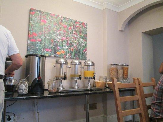 The Grapevine Hotel: I distributori della colazione