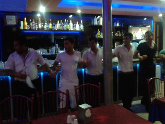 "Britannia Hotel: по вечерам иногда танцуют турецкий танец ""Халай"""