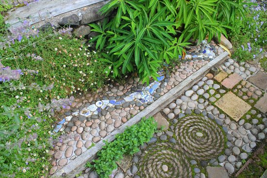 Lip na Cloiche Garden and Nursery: love this