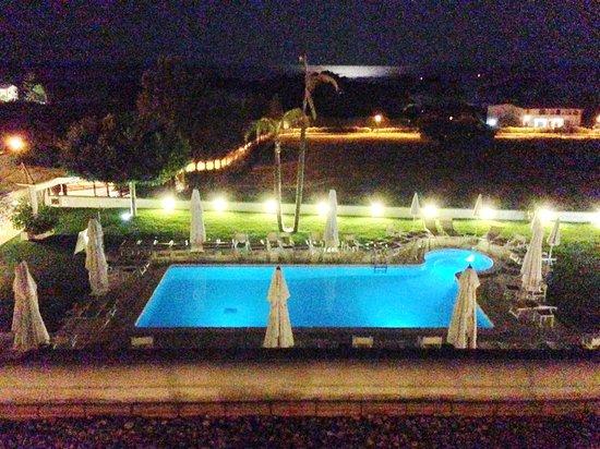 Hotel Grotta di Tiberio: night......