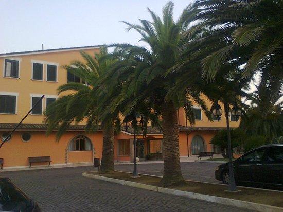 Hotel Villa Luigi: Foto hotel dal parcheggio