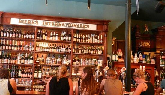 Pub Saint-Alexandre: Le bar