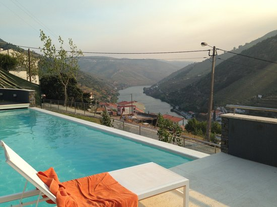 LBV House Hotel: Pool View