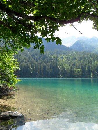 Agritur Leita: scorcio lago tovel