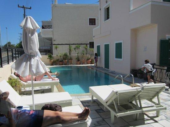 Mary Hotel: piscina