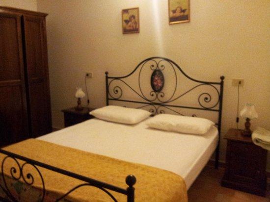 Valle Verde Agriturismo: camera da letto
