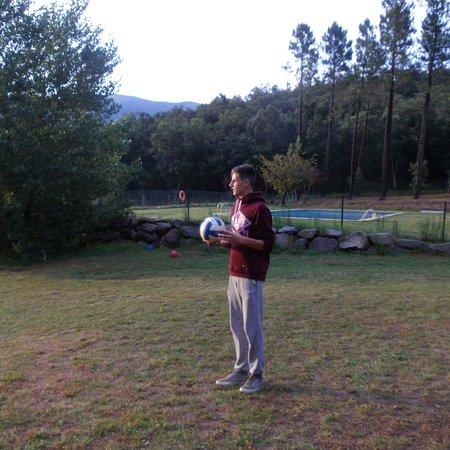 Camping Macanet de Cabrenys : Foot et piscine