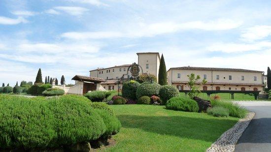 Bagnaia, Italy: Entrance to the main Hamlet of Il Borgo