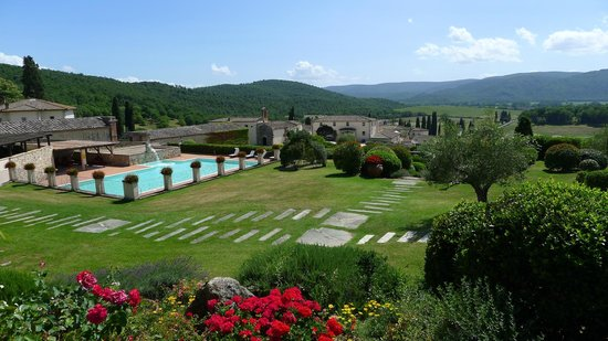 Bagnaia, Italie : Swimming Pool & Panoramic Views