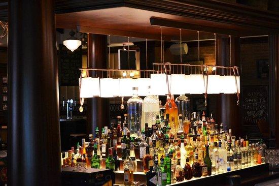 Coopers Bar & Restaurant - Park Rotana Abu Dhabi