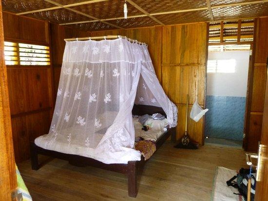 Bolilanga Island Resort: Cabaña estándar
