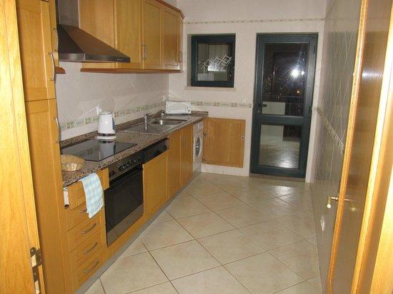 Cerro Mar Atlantico Touristic Apartments: Great Kitchen