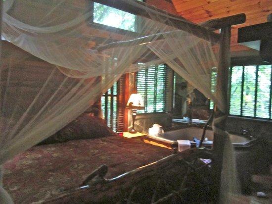 Cherokee Mountain Cabins: Bedroom