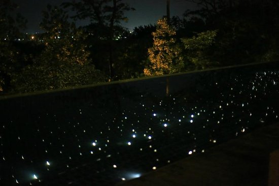 Villa Zolitude Resort and Spa : starry light pool