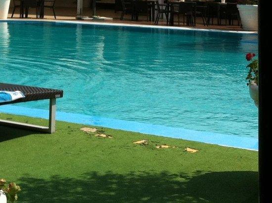 Hotel Meridiana - Paestum: Bordo piscina...