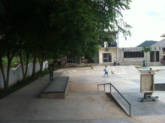Surf Ranch Skateboard Park: surf ranch skatepark