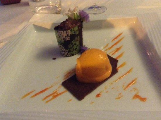 Chi-Ghinn Hotel and Restaurant: Cremoso al Cioccolato e Gelato al Peperoncino