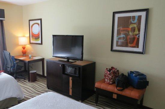 Hampton Inn Knoxville/Clinton I-75: Room
