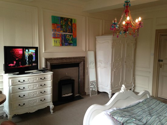 Bagshaw Hall: Bedroom