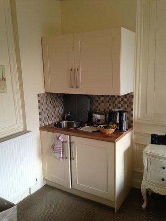 Bagshaw Hall: Odd half kitchenette