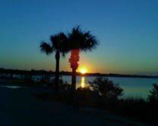 Country Inn & Suites by Radisson, Port Orange-Daytona, FL : Sunset