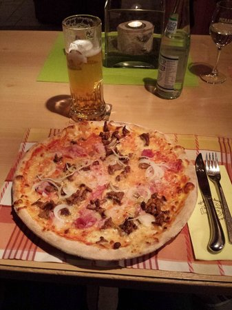 Waldschenke: Pizza della suocera