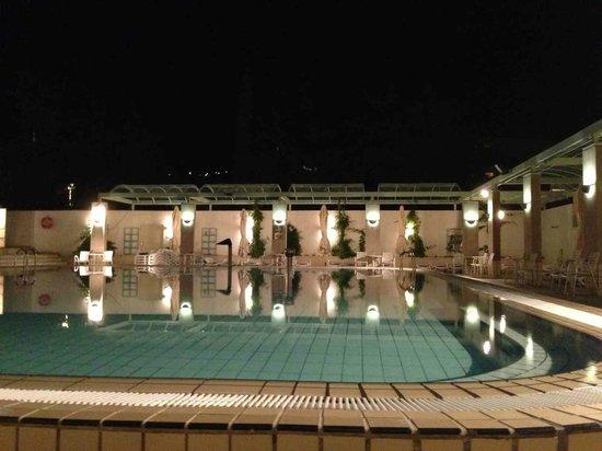 Hotel Dalmacija : la piscine la nuit