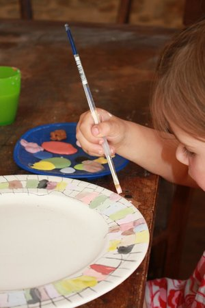 Le Caillau Atelier de Peinture sur Poterie : Pottery painting for young and old