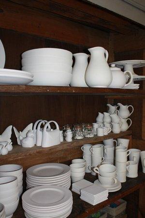 Le Caillau Atelier de Peinture sur Poterie : A wide range of pottery
