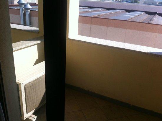 Delta Inn : balcon et sa clim