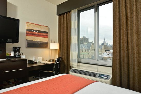 Holiday Inn NYC - Lower East Side: Guest Room