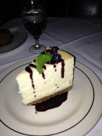 Vic & Anthony's Steakhouse - Las Vegas: cheesecake