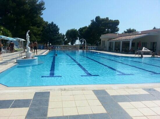 Piano Grande Residence: piscina