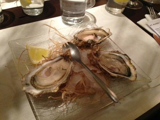 Le Bocal Restaurant: Oysters!!!!
