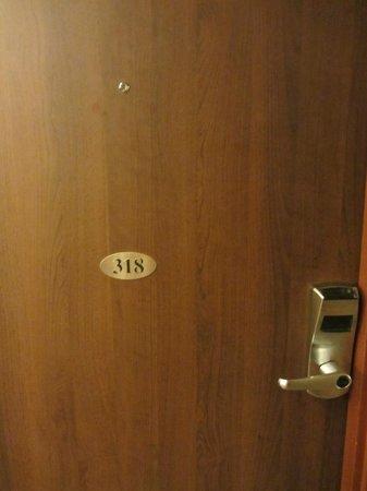 Novotel London Paddington: Porte de la chambre
