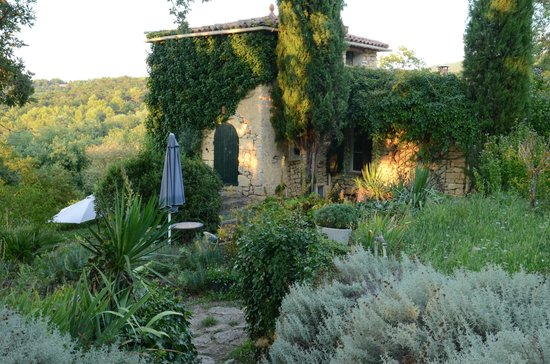 La Bouquiere : the outside