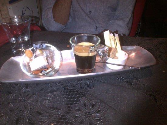 Restaurant Joy : caffè e dolcezze provenzali