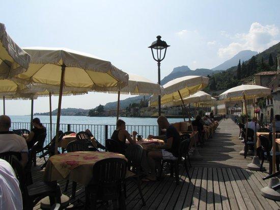 Al Lago: tavolini sul lago
