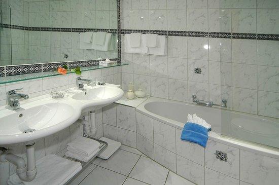 Hotel Bristol: Badezimmer Nr. 11