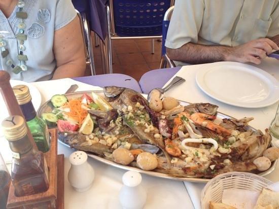 Restaurante El Mirador: Parrillada de pescado, buenísima