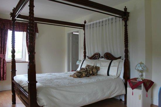 Schlafzimmer Mit Baldachin Bett Picture Of Westbrook House Ennis