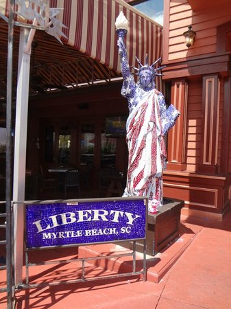 Liberty Brewery & Grill : Lady Liberty welcoming you