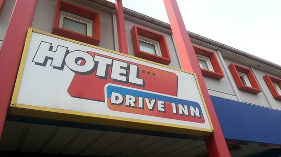 Drive Inn Hotel : front side of the hotel