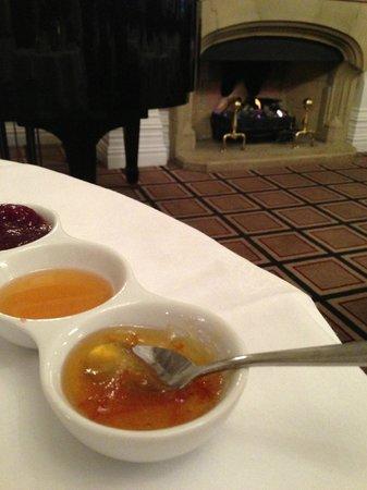 The Killarney Park Hotel: Fireside Breakfast before departing for train ride