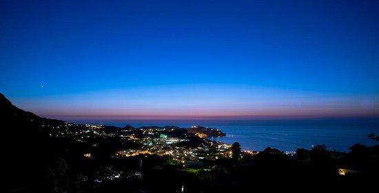 Hotel Ape Regina: Night view from hotel